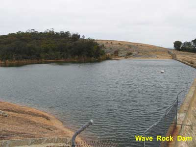 Wave Rock Dam image pa210012 135KB